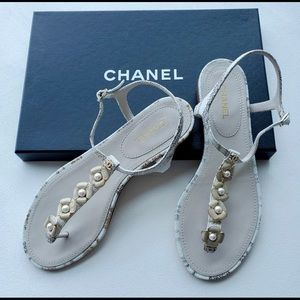 CHANEL Flower with Pearl Sandal